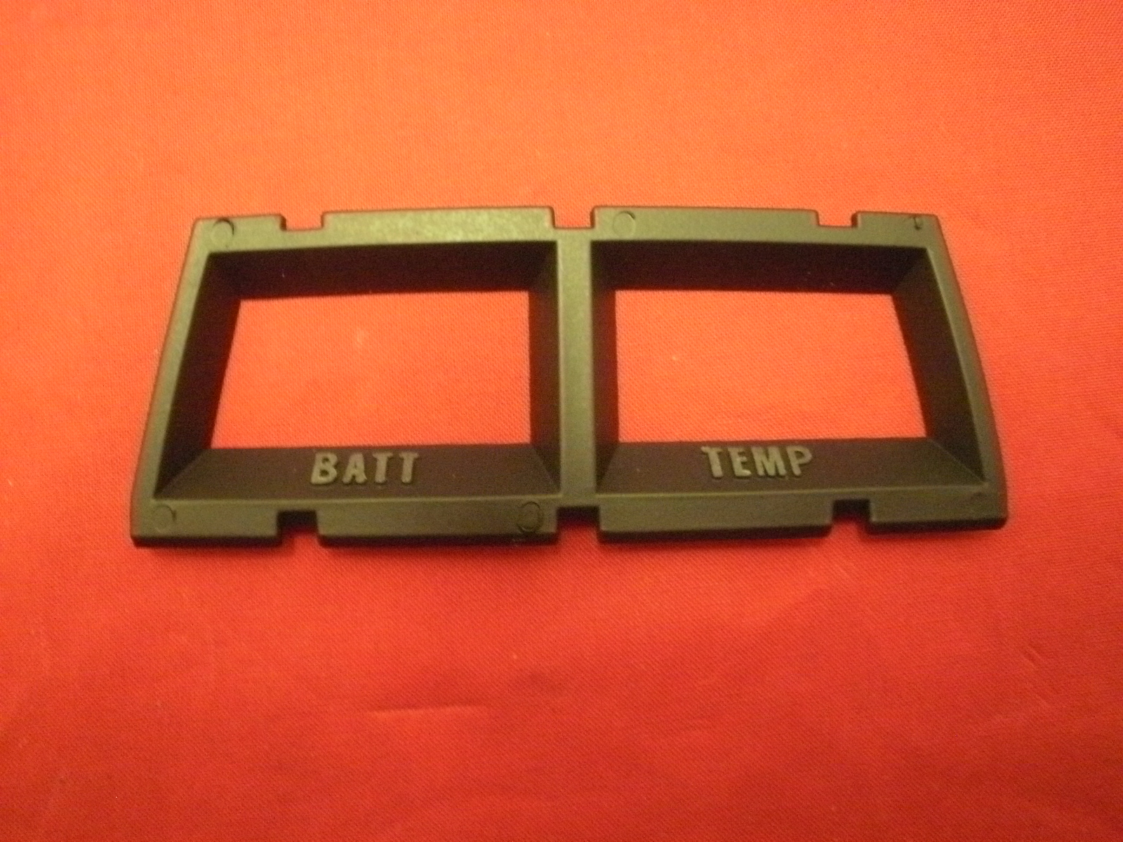 #6480881 Gauge Bezel Batt and Temp (R)