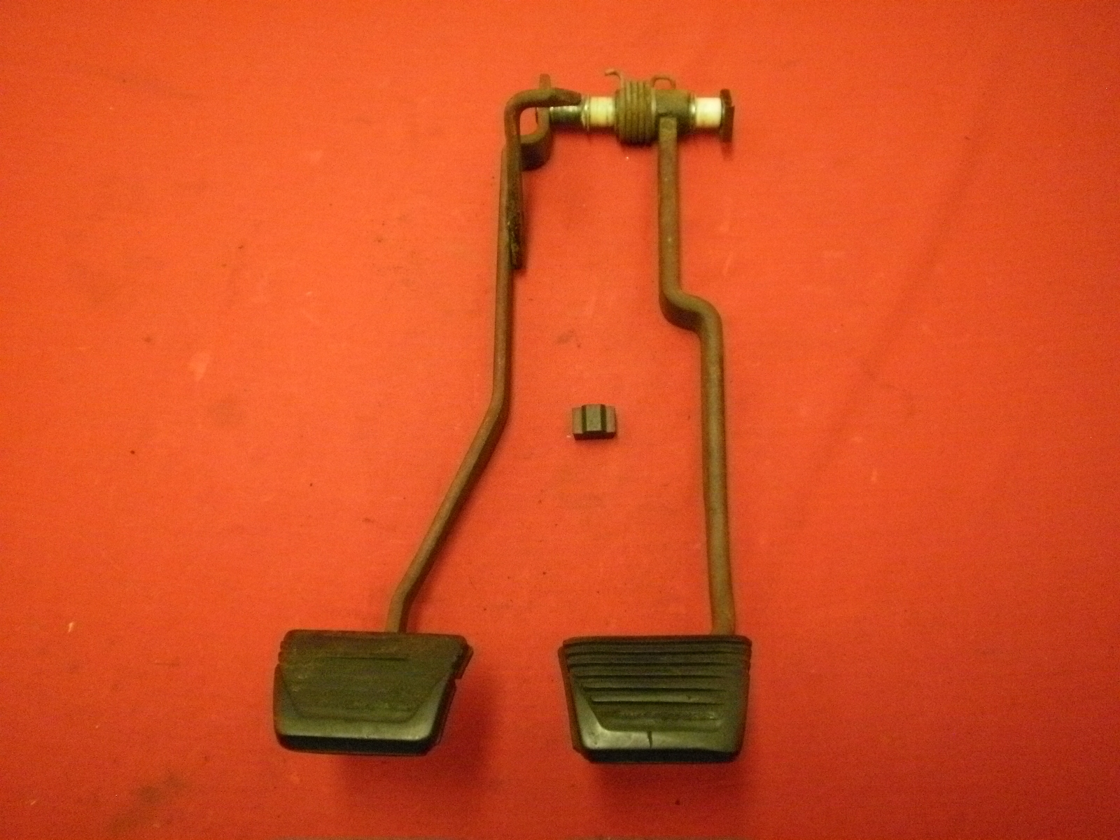 (OEM) 62-65 Chevy II Pedals